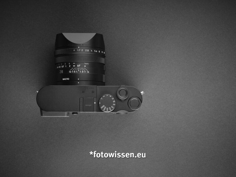 Draufsicht Leica Q2 Monochrom - Schwarzweiß digital